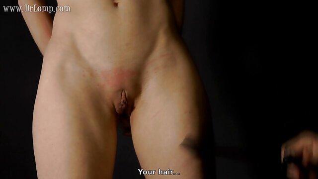 Un homme lèche daddy porno movies la chatte et caresse les gros seins