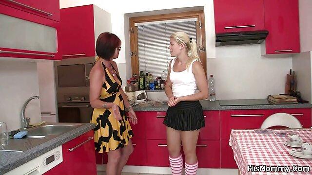 Mari regarde sa vintage sex videok femme aux gros seins baiser avec un homme noir
